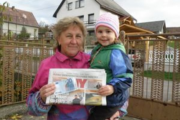 Z výhry mala radosť pani Ľubica aj jej vnučka Veronika.