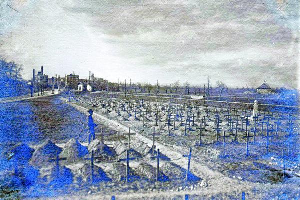 Takto vyzeral cintorín pred približne 100 rokmi.