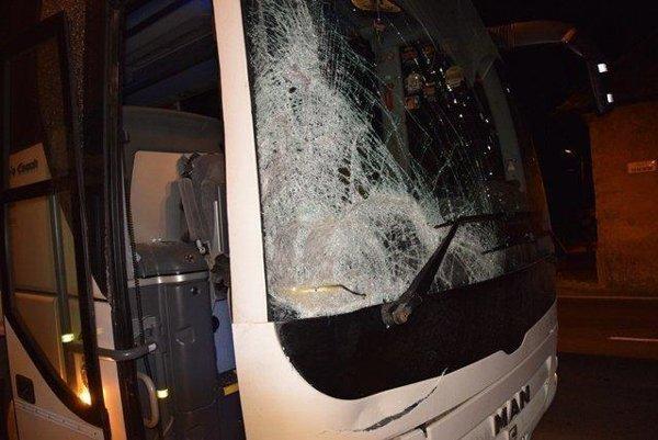 Autobus krátko po nehode.