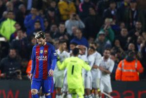 Sklamaný Lionel Messi po vyrovnávajúcom góle Realu Madrid.