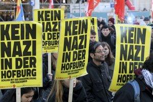 Pochod proti Hoferovi.