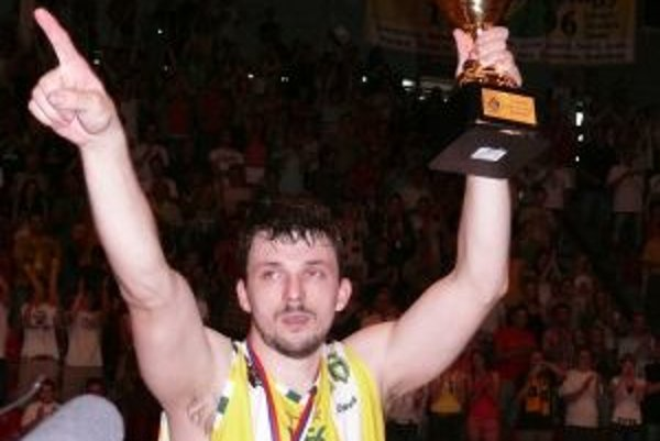Ľuboš Štorcel získal v extralige v sezóne 2008/09 s prievidzským tímom bronzové medaily.
