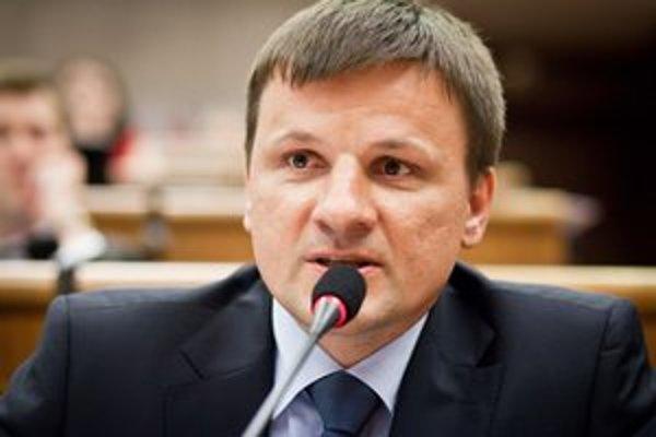 Poslanec z hnutia Obyčajní ľudia a nezávislé osobnosti Alojz Hlina.