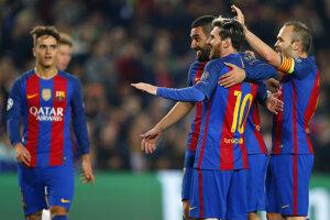 Radosť hráčov Barcelony.