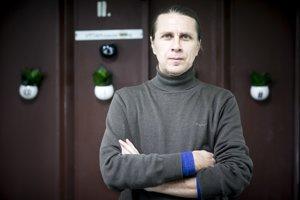 Nenakupujte, keď cítite hlad a kráčajte po predajni rýchlo, radí neuromarketér Miroslav Švec.