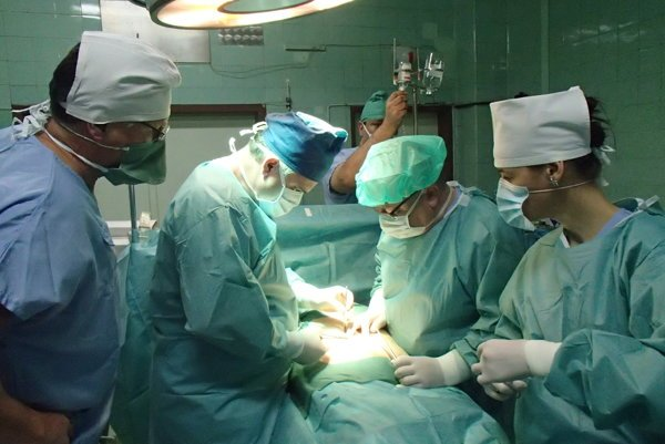 Operácia trieslovej prietrže v Ilave novou metódou.
