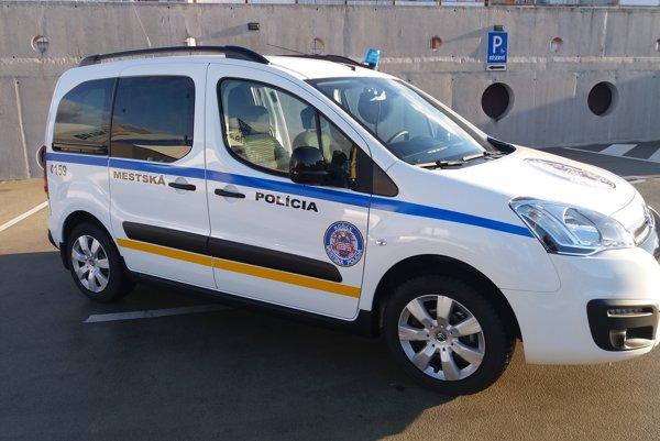Nové policajné auto.