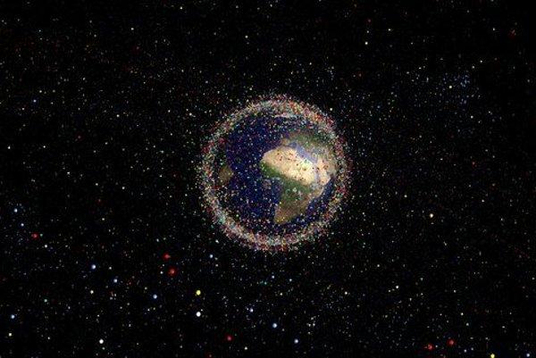 Vesmírny odpad.