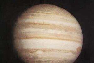 Misia Pioneer 10 urobila záber Jupiteru v roku 1973 vo vzdialenosti 25 miliónov kilometrov od planéty.
