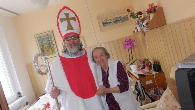 Sv. Mikuláš na lôžkovom oddelení Domova pri kríži
