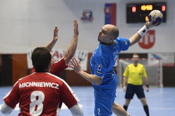 Pupík (v modrom) dal proti Šali deväť gólov.