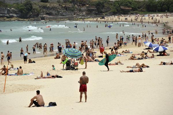 Pláž Bondi Beach v Sydney.