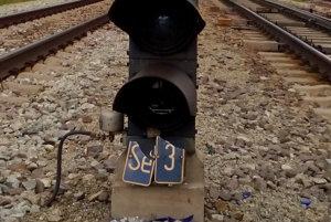 Návestidlá sú mimoriadne dôležitá súčasť železničnej prevádzky. Rušňovodičom zobrazujú informácie dôležité k bezpečnej jazde vlaku.