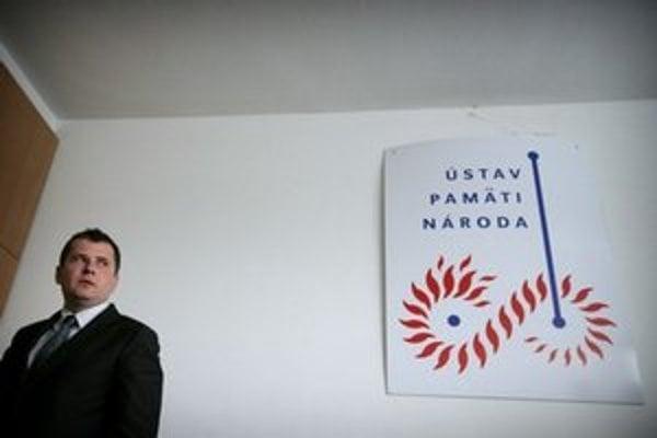Predseda Správnej rady Ústavu pamäti národa Ivan Petranský počas tlačovej konferencie ÚPN.