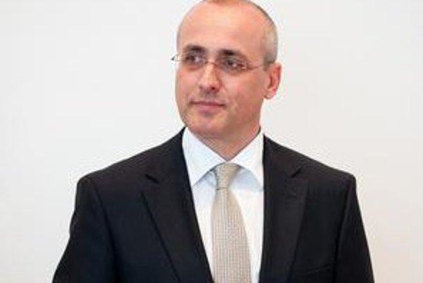 Budúci minister Tomáš Borec ešte rieši svoje advokátske povinnosti.