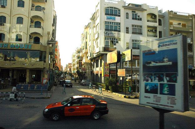 Pri preprave taxíkom bude dôležitá mapa. Mnohé ulice nemajú názvy.