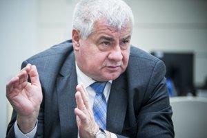 Árpád Érsek, minister dopravy.