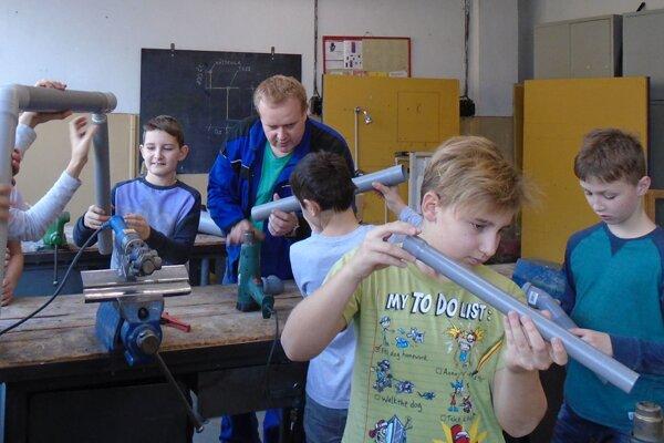 Žiadna spoločnosť nemôže existovať bez šikovných remeselníkov. V regióne skvelých vychováva SOŠ stavebná v Žiline.