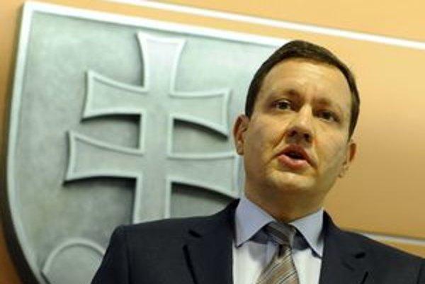 Minister vnútra nedôveruje Generálnej prokuratúre.