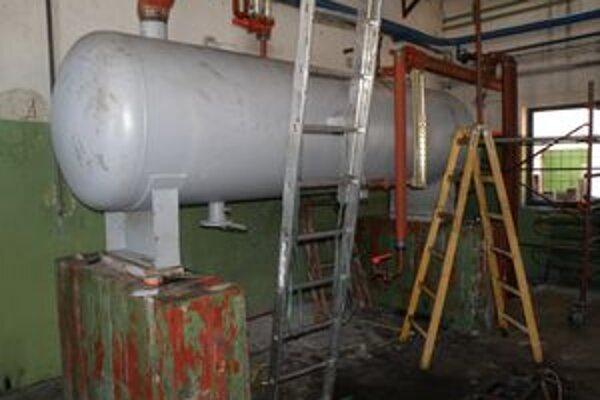 Strojovňa na zimnom štadióne prechádza kompletnou rekonštrukciou.