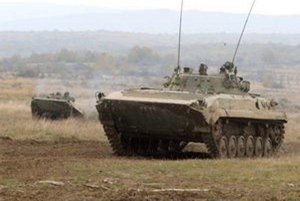 Medzinárodná situácia sa uvoľňovala už pred Nežnou revolúciou. Znižovali sa počty tankových vojsk v Európe.
