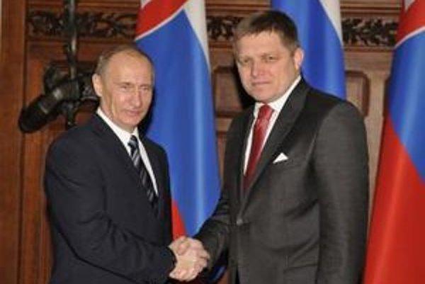 16. novembra 2009 sa Fico stretol v Moskve s Putinom, do Bieleho domu Fico pozvánku nedostal.
