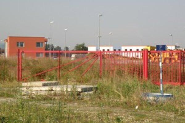 Zatiaľ sa v priemyselnom parku udomácnilo len niekoľko slovenských firiem.