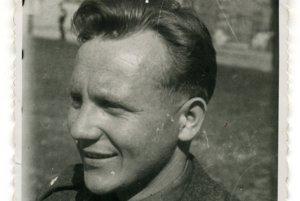 V roku 1946 na školení v Bratislave.