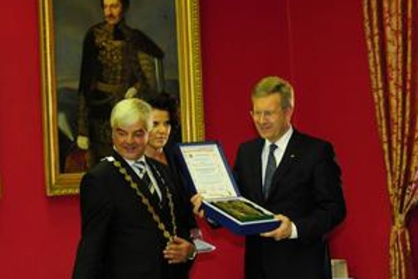 Prezident Christian Wulff sa stal čestným občanom Kežmarku, kde žije početná nemecká menšina.
