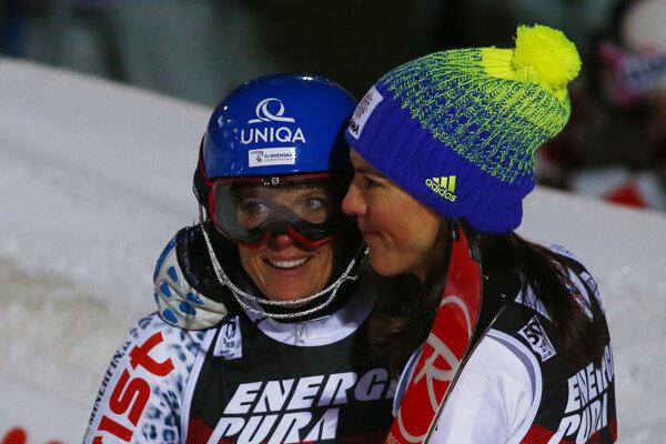 Veronika Velez-Zuzulová (vľavo) s Petrou Vlhovou.