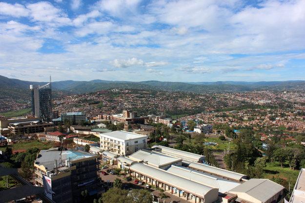 Z hlavného mesta Kigali je dnes moderná, bezpečná a čistá metropola.