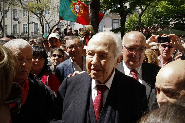 Bývalý portugalský prezident Mário Soares.