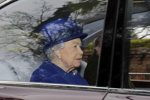 Kráľovná sa opäť ukázala na verejnosti.