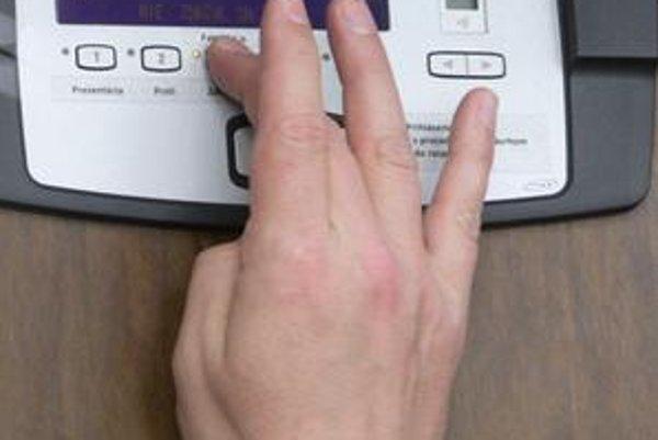 Hlasovacie zariadenie.