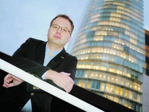 Roman Horváth, ekonóm