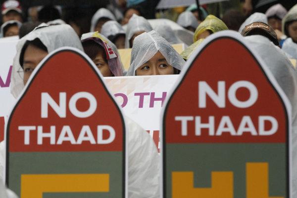 S rozmiestnením štítu mnohí obyvatelia Songdžu nesúhlasia.