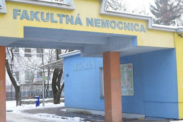 Lekáreň hneď pri vchode už prevádzkuje nemocnica.