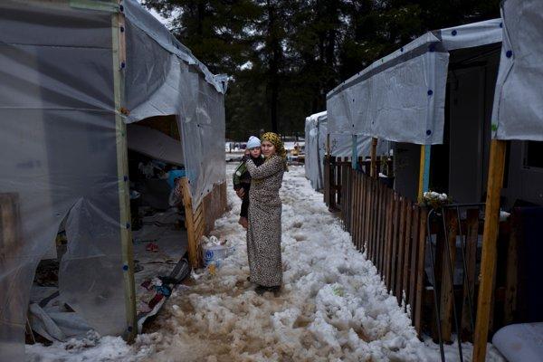 Sýrčanka v gréckom utečeneckom tábore.