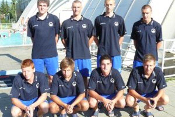 Osem reprezentantov, ktorí sú členmi NCHZ Nováky.