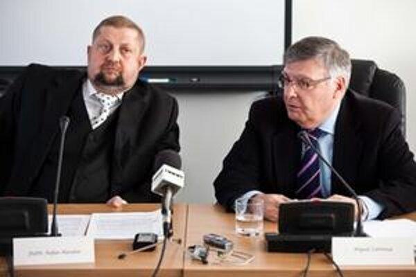 tefan Harabin a novozvolený prezident Európskej siete súdnych rád a člen rady Španielskeho kráľovstva Miguel Carmon.