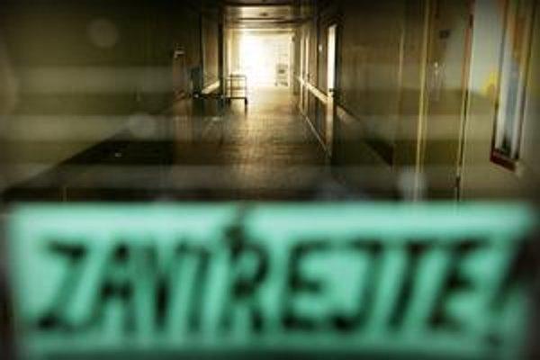 České nemocnice  robia nábor lekárov na Slovensku. Niektoré formou inzercie, ďalšie cez personálne agentúry.