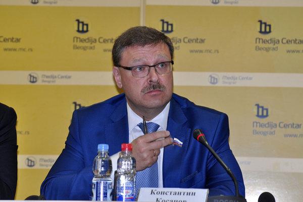 Predseda zahraničnopolitického výboru Rady federácie Konstantin Kosačov.
