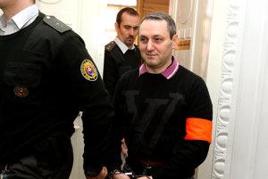 Sergej Kučerenko je stíhaný pre trestný čin porušovania povinností pri správe cudzieho majetku, za čo mu hrozí trest odňatia slobody na desať až pätnásť rokov.