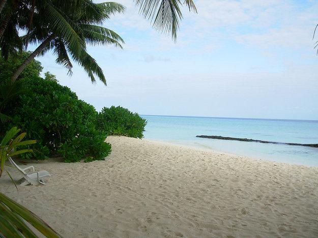 Na Maldivách nájdete takmer dokonalé pláže.