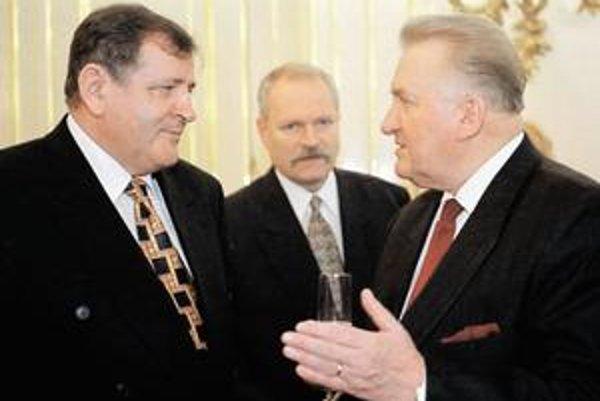 Premiér Vladimír Mečiar, predseda parlamentu Ivan Gašparovič a prezident Michal Kováč v januári 1998.