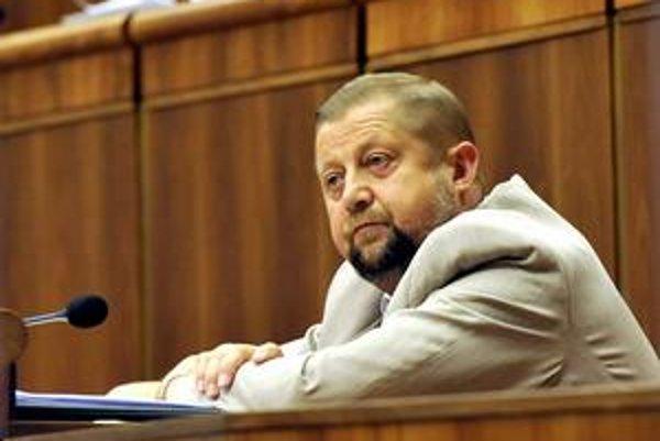 Štefan Harabin je šéfom Najvyššieho súdu aj Súdnej rady. Nová koalícia chce oslabiť jeho moc.