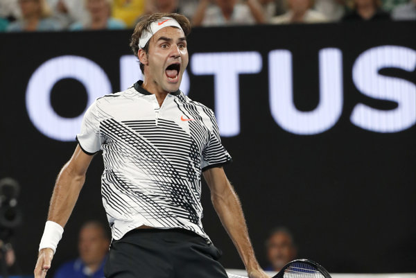 Roger Federer po tom, čo premenil mečbal.