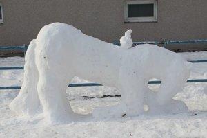 Poník zo snehu.