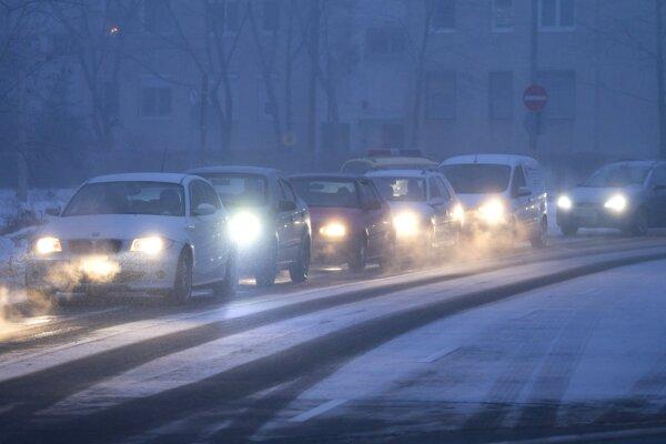 Smog v uliciach Budapešti.
