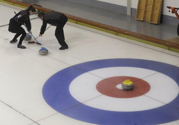 SOV chce pomôcť v napredovaní curlingu.